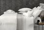 Capa Para Edredom Super King Torrigiani 600 Fios Trussardi Branco e Platino 2,90x2,60m